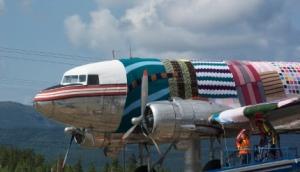 yarn-bomb-plane
