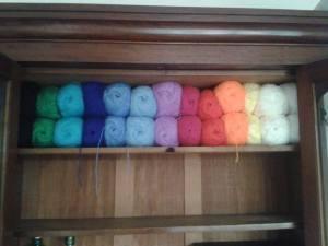 wool shelf stacking storage solution