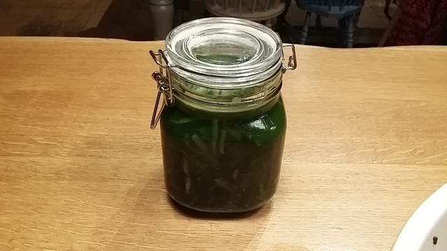 Jarred ramsons ready for fermenting process